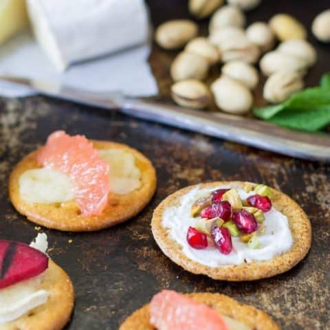 Serving cheese and crackers at your next summer party? Try grilling your crackers for a unique twist. Melt your cheese and add other grilled toppings too! Grilled Crackers for Summer Entertaining Recipe | Take Two Tapas
