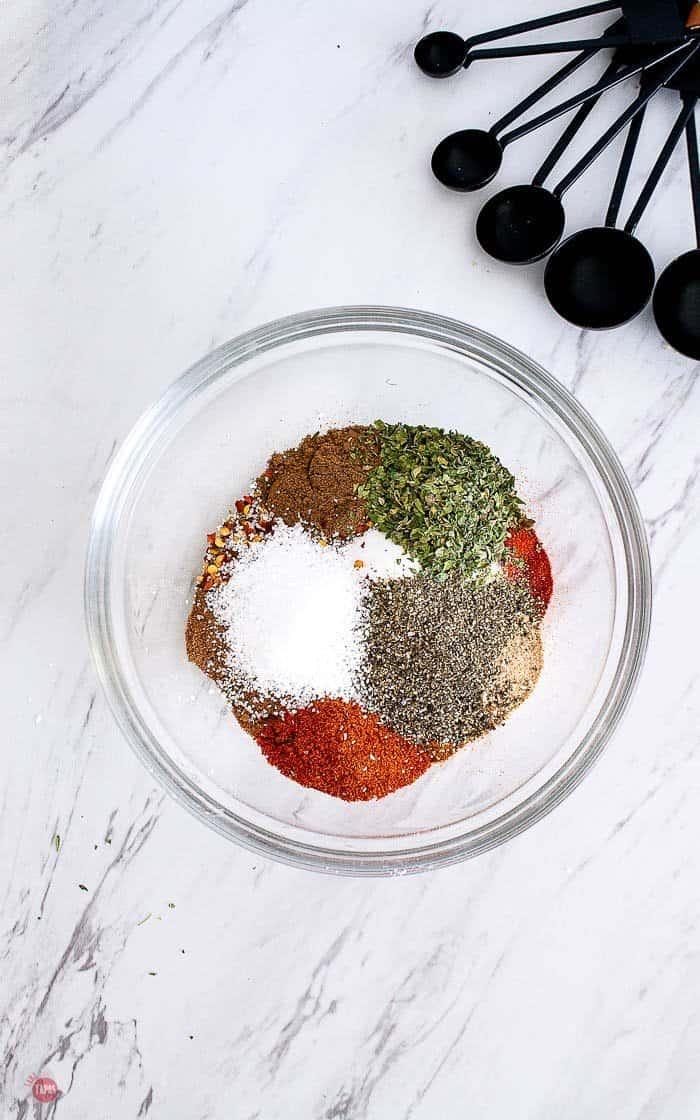 bowl of jerk spice ingredients
