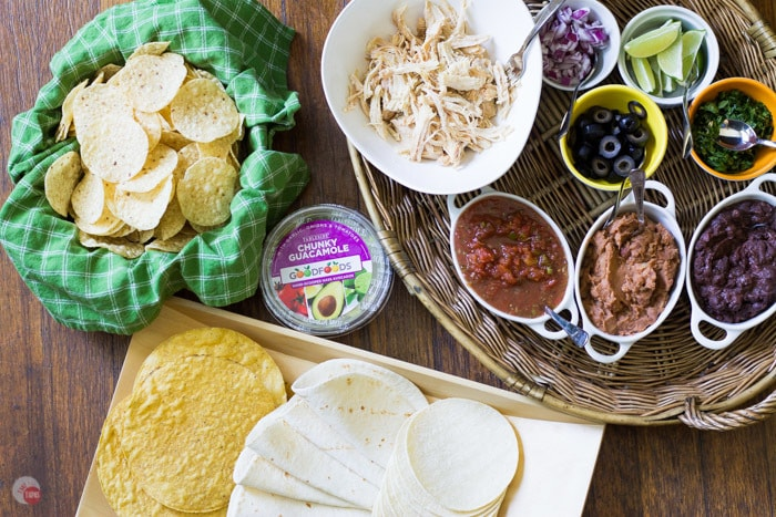 Put together this simple taco bar, with the help of Good Foods, for when your spouse decides to invite a group over to watch the big game and you have less than 30 minutes! #ShareTheGoodness with Good Foods Game Day