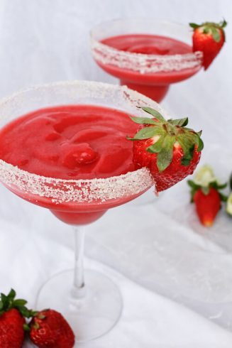 Strawberry Rhubarb Margarita | Champagne Tastes