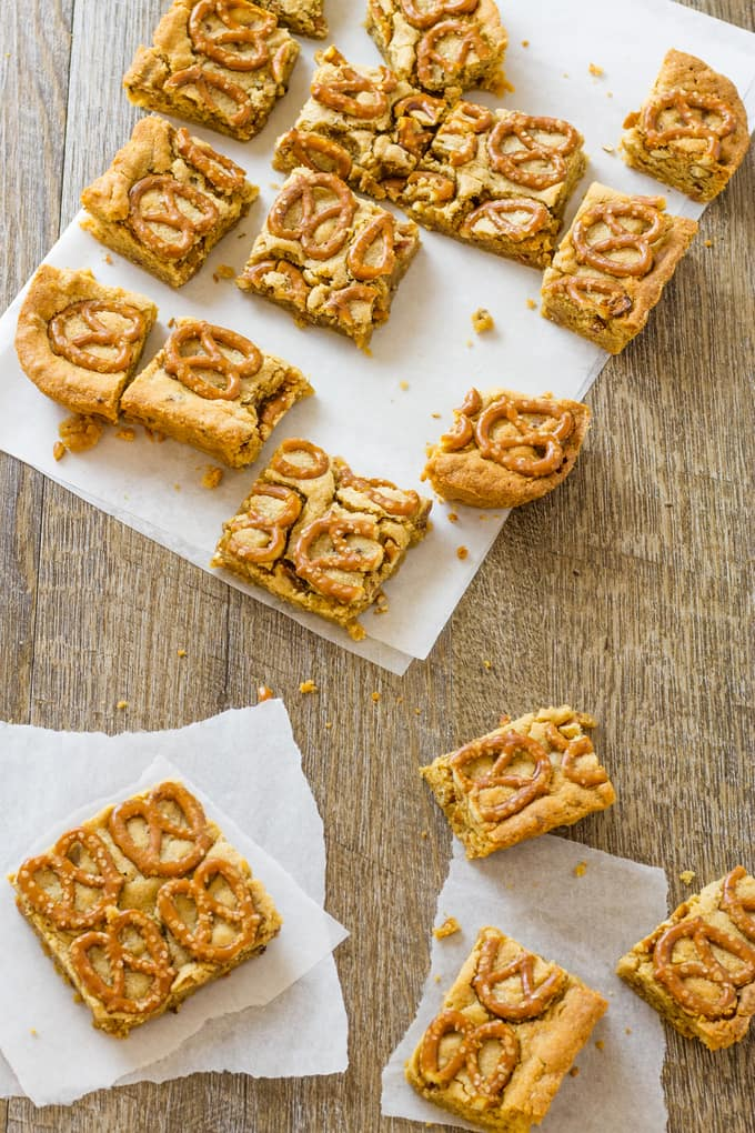 All the texture in these peanut butter pretzel bars is off the chain. Not to mention the bacon and the bourbon! | Take Two Tapas | #PeanutButter #Pretzels #PeanutButterBars #BrownieRecipe #Bacon #PeanutButterRecipes