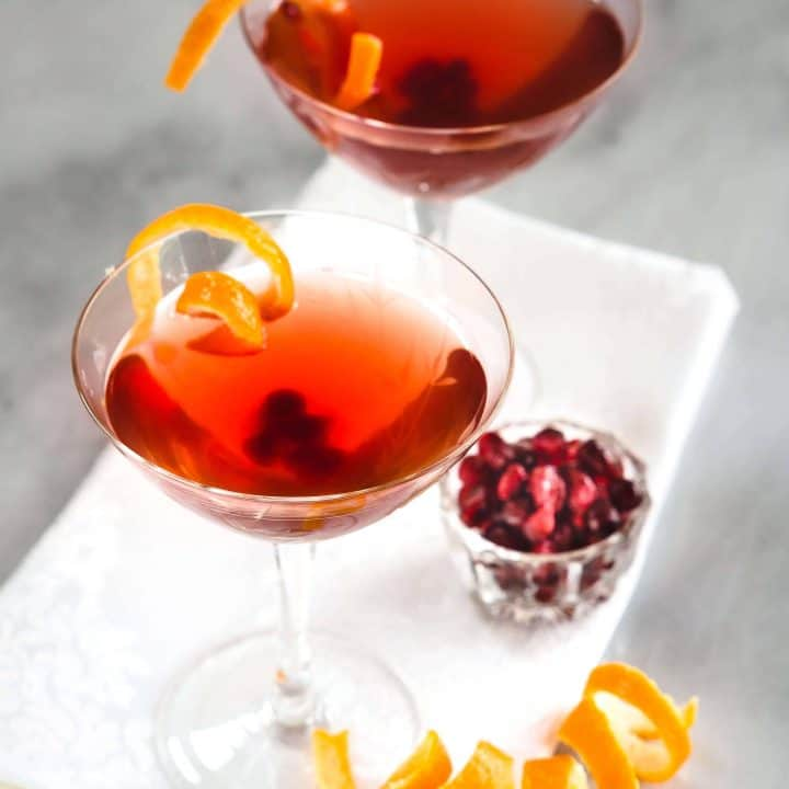 Easy Pomegranate Clementine Vodka Cocktail Recipe