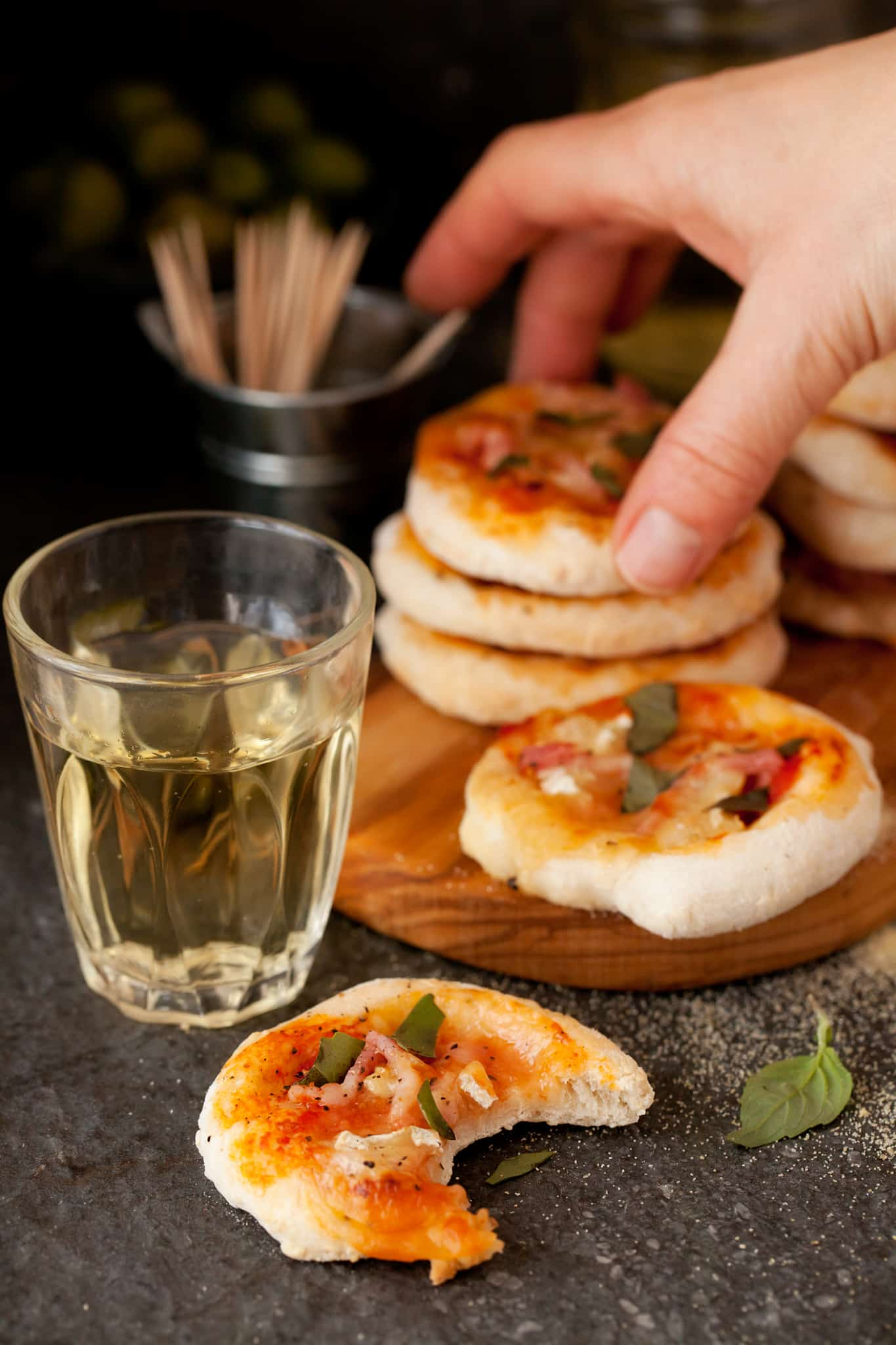 Bacon Brie Basil Mini Pizzas perfect for Game Day! #gameday #appetizer #pizza #fingerfood
