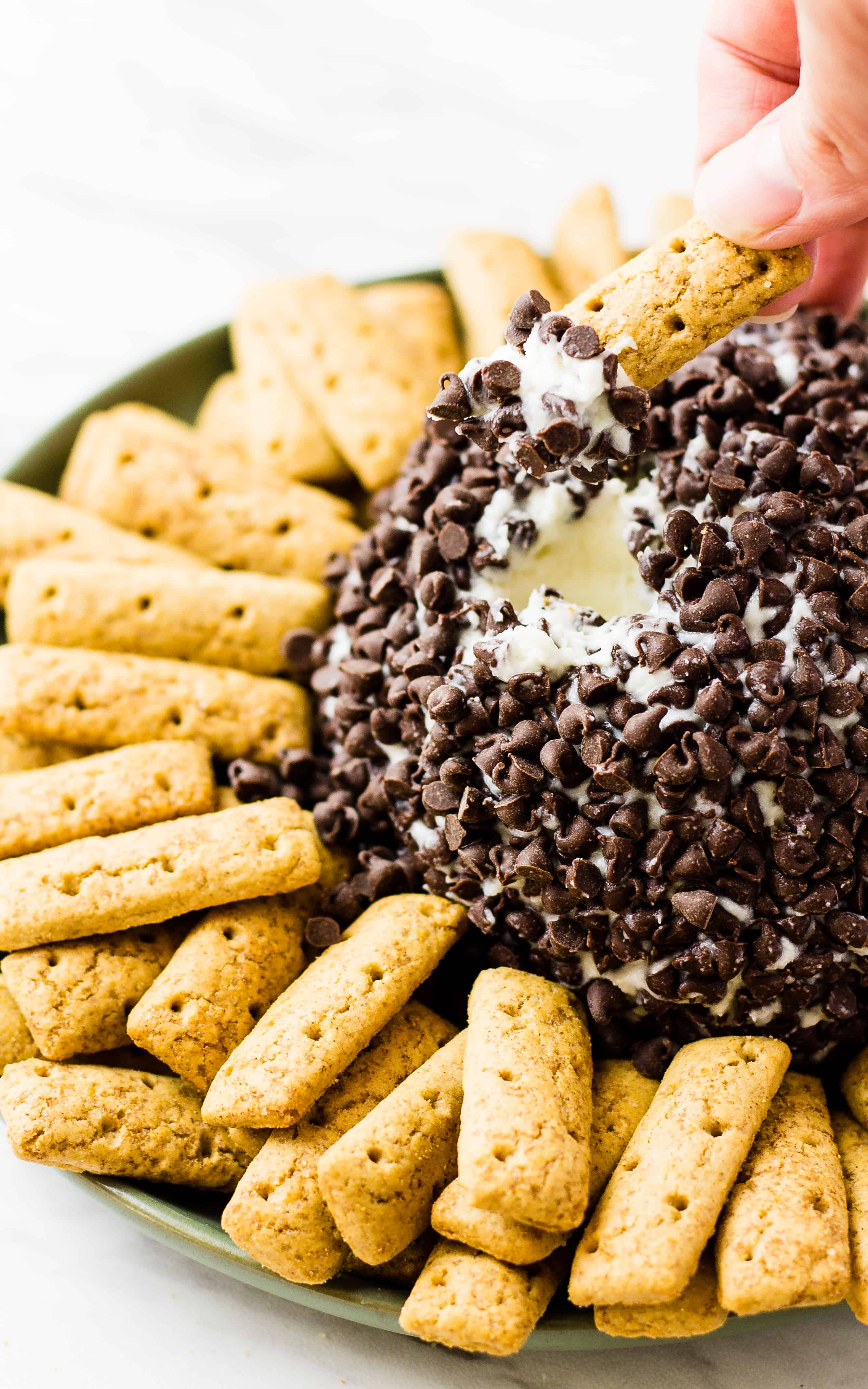 Cannoli Cheese Ball – A Crazy Way to Eat Cannolis?