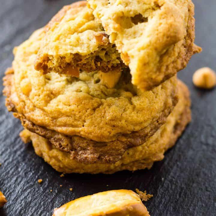 close up of Butterscotch Pretzel Cookies