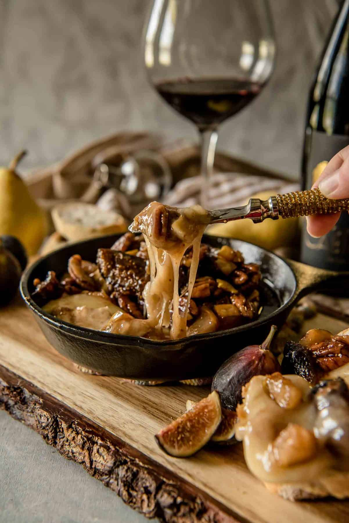 Brown Butter Fig and Pear Bake Brie   Fall Appetizers