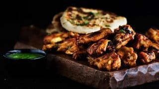 Tandoori Wings & Garlic Cheese Naan