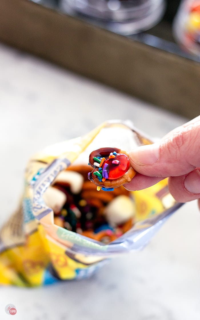 Walking Dessert Tacos – Portable Dessert Snack Bag Bar