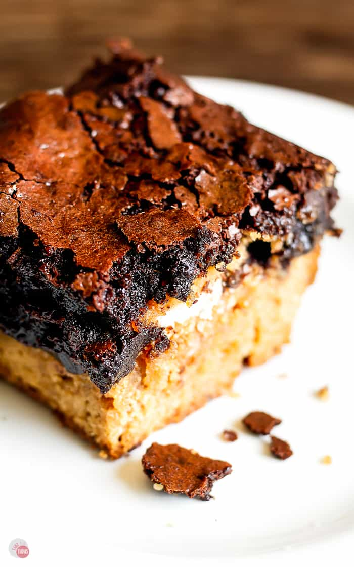 close up of Peanut Butter Oreo brownie top layer