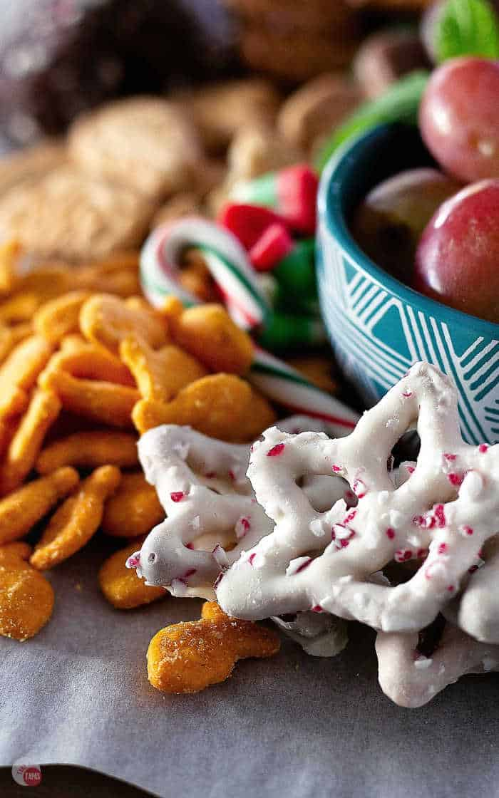 chocolate covered pretzel stars with peppermint