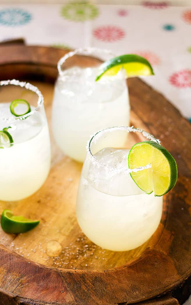 Margarita with 3 ingredients on wood tray