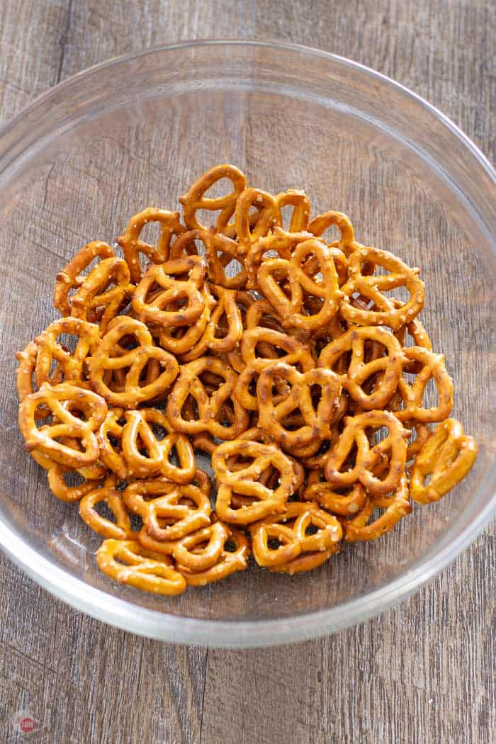 pretzels in a clear bowl