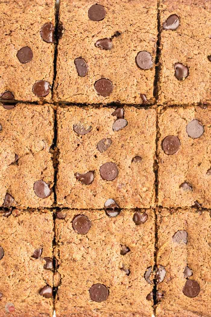 close up of cut blondie brownies