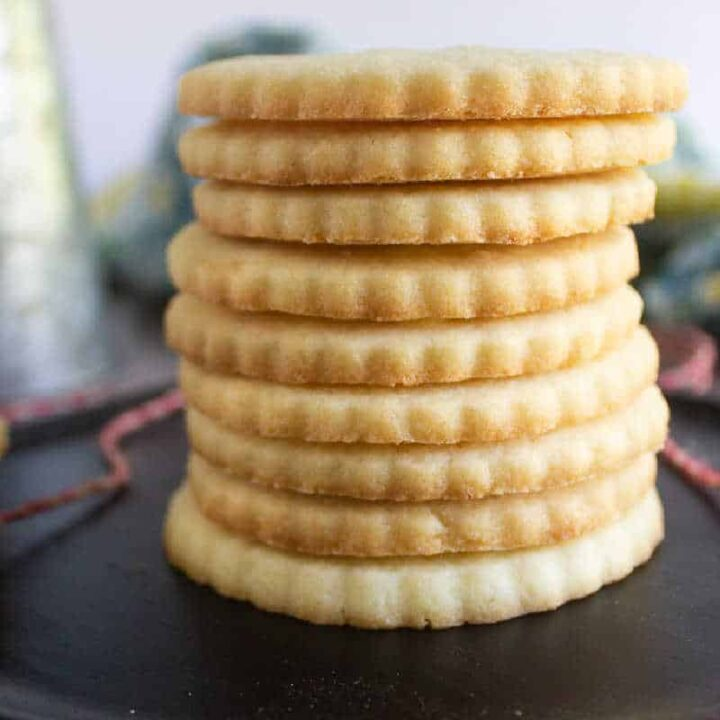 square picture of shortbread cookies