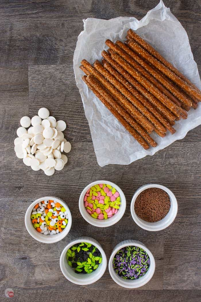ingredients for dipped pretzels