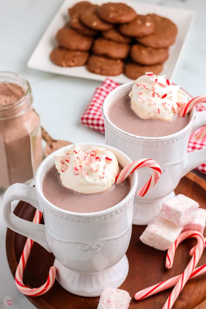 two mugs of peppermint hot chocolate