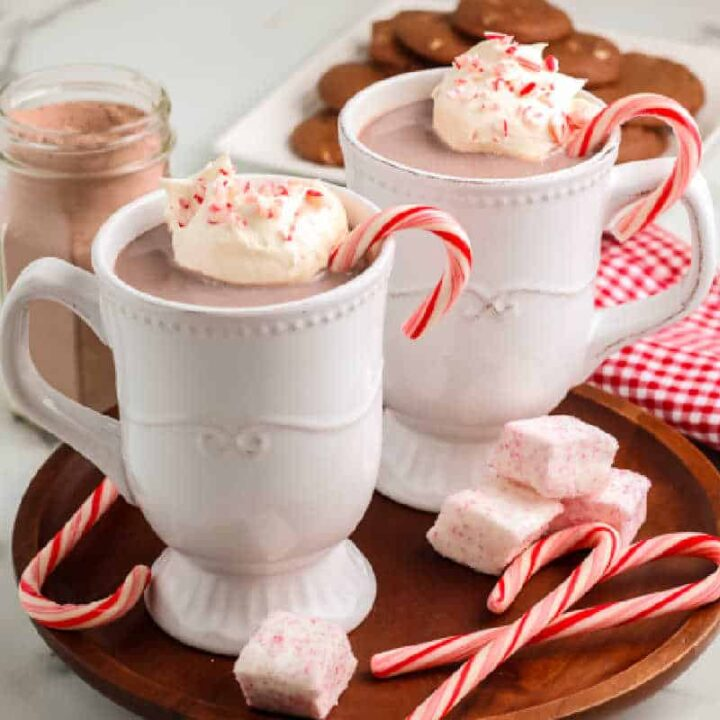 two mugs of peppermint hot cocoa