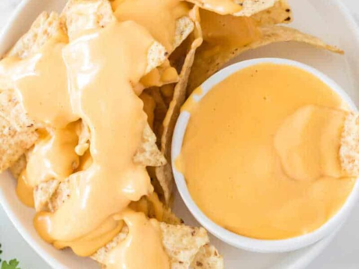 Homemade Nacho Cheese Sauce {5 Ingredients!}