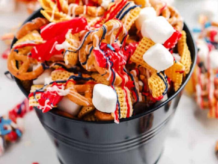 Patriotic Snack Mix – Red, White, & Blue Chex Mix