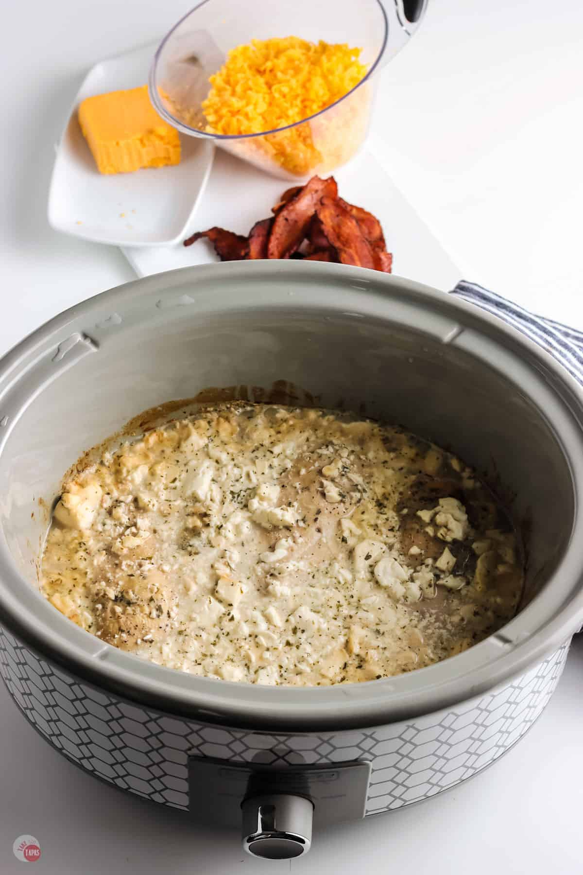cooked chicken in a crock pot