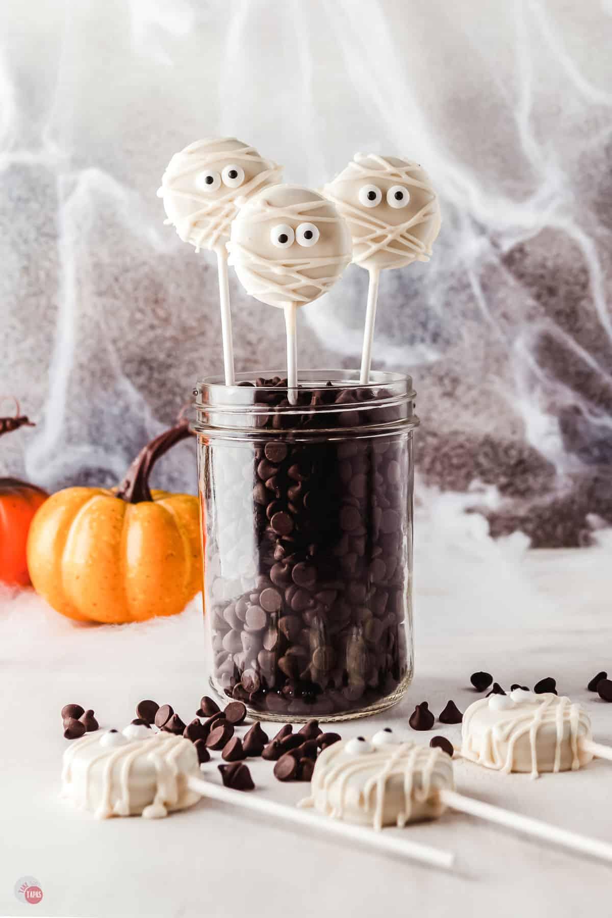 mummy oreo pops in a jar