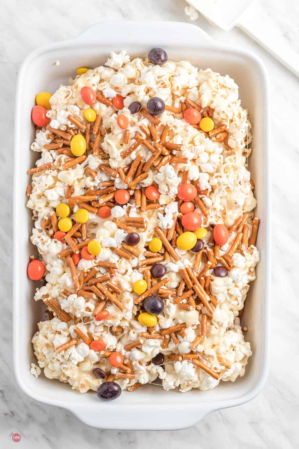 popcorn with pretzels