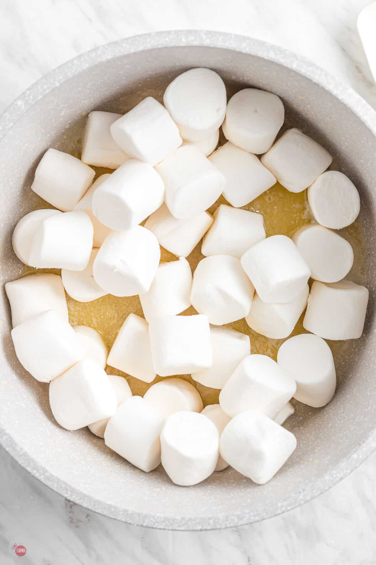 marshmallows in a bowl
