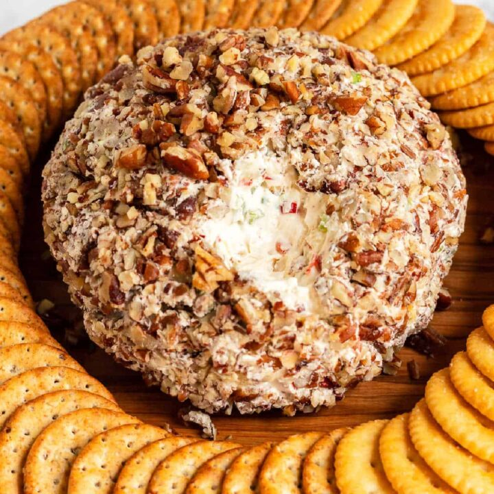 cheeseball with crackers