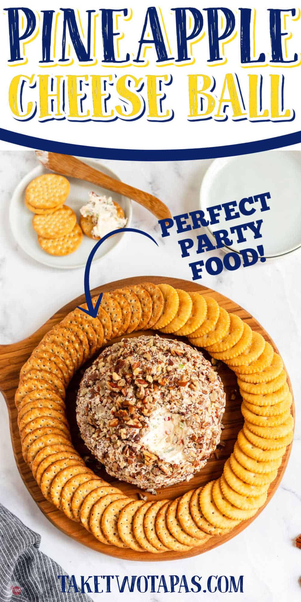 pineapple cheese ball with crackers