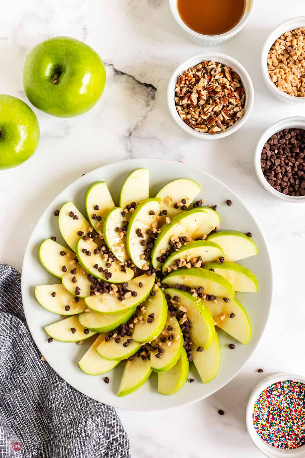 apple nachos with toffee