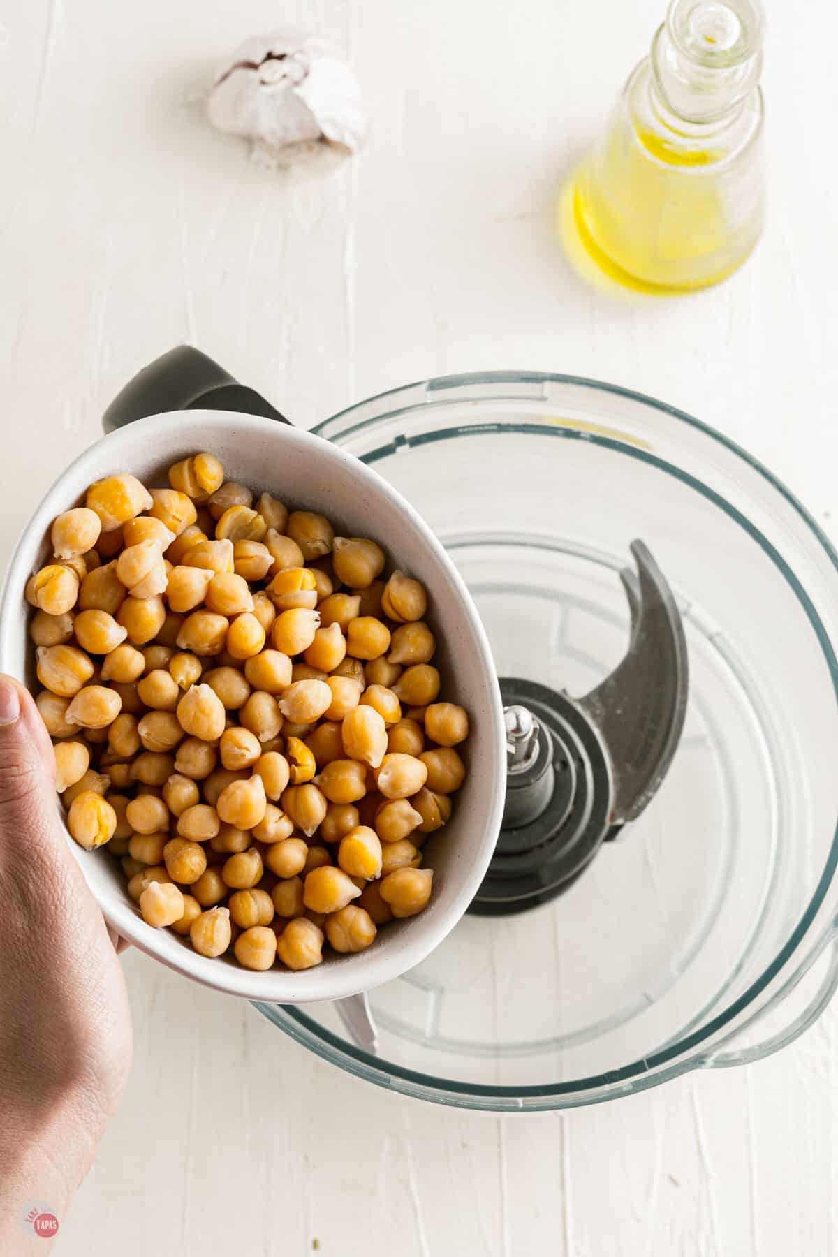 chickpeas in a food processor
