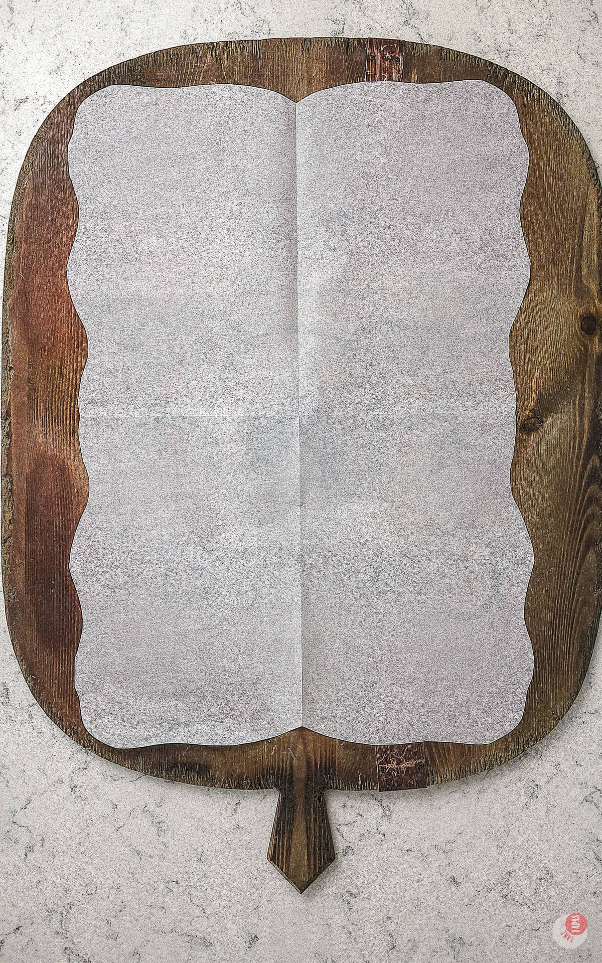 tray with parchment papaer
